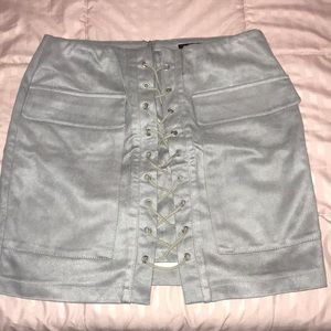 Dresses & Skirts - Gray Lace Up Skirt w/ Pocket Detailing